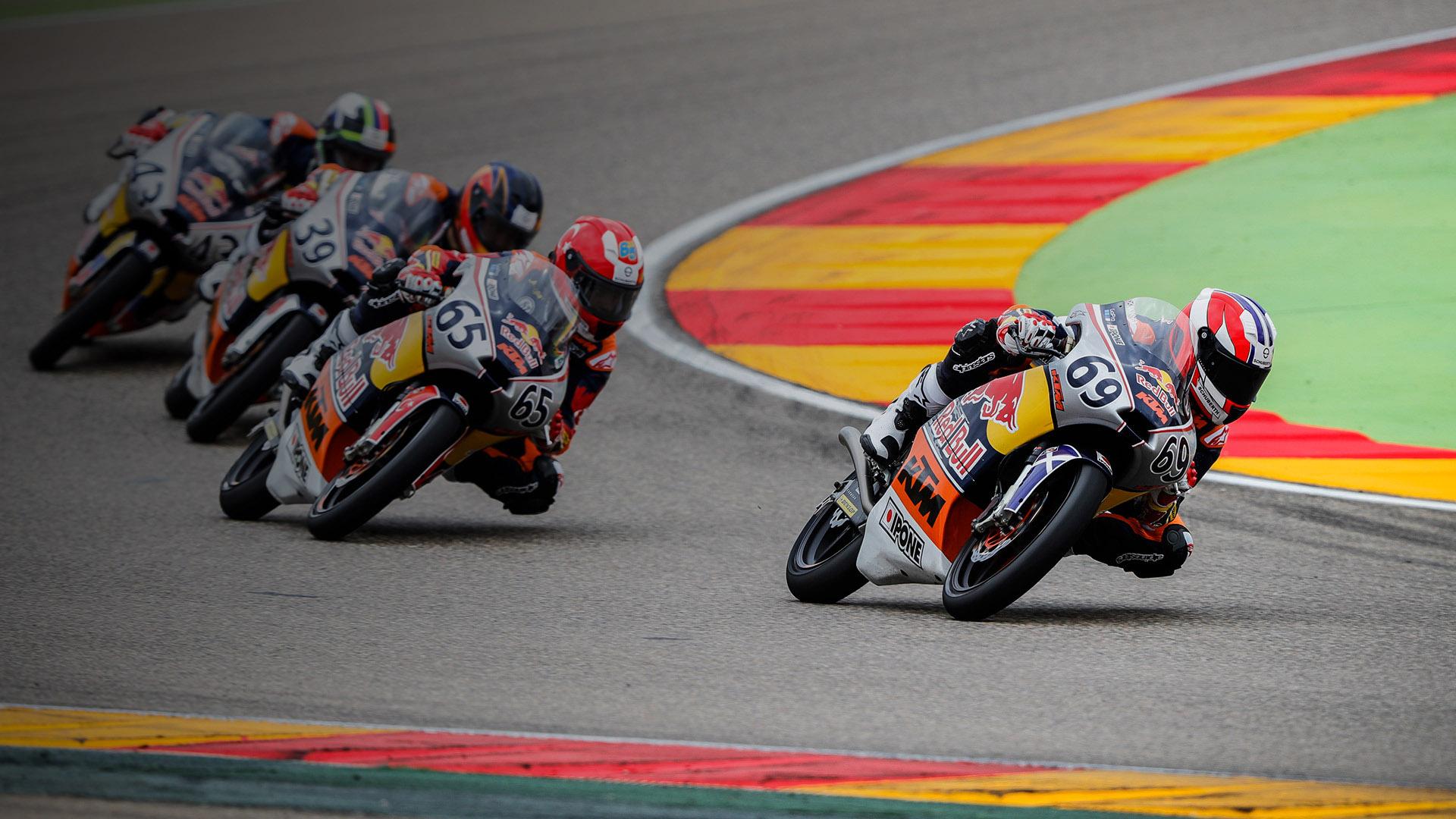 Acompañando a la Red Bull MotoGP Rookies Cup